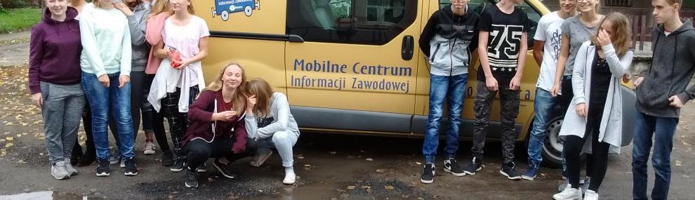 Mobilne Centrum Informacji Zawodowej  w Gimnazjum w Szczańcu
